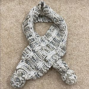 Fossil knit scarf